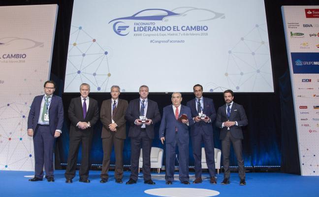 Nissan Almenar, premiada por su apoyo a Casa Caridad Valencia