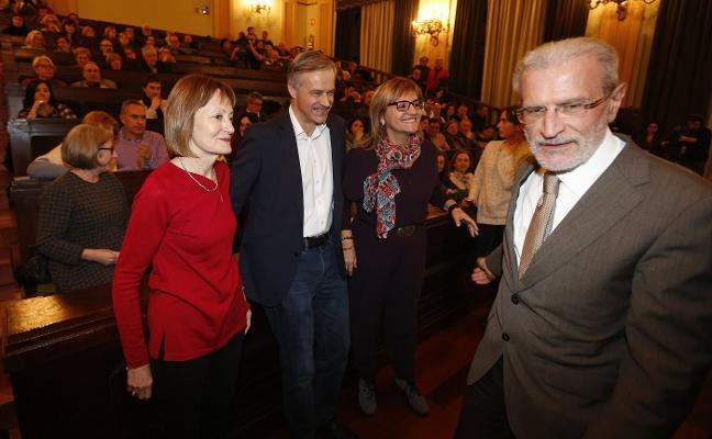 Alianzas y nuevos discursos marcan la segunda vuelta en la Universitat