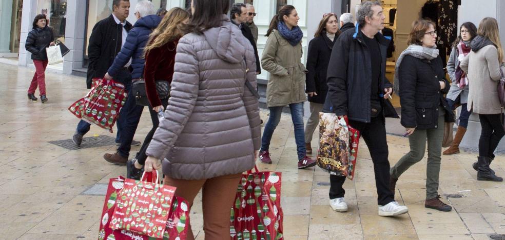 Comercio enfada a las grandes superficies al negarles ahora el undécimo festivo autonómico