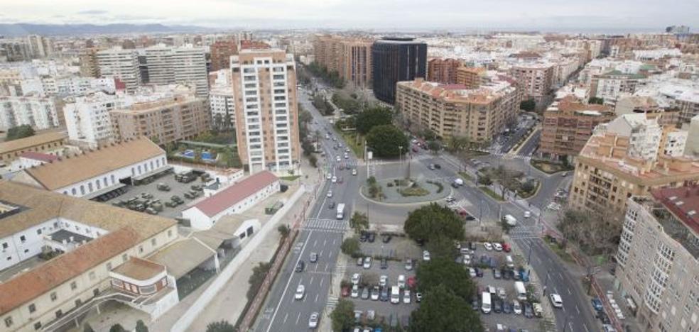 Rompe la nariz a un motociclista que le recriminó provocar un accidente en la avenida Aragón de Valencia