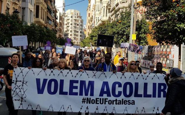 Manifestación en Valencia por el respeto a los derechos de refugiados e inmigrantes