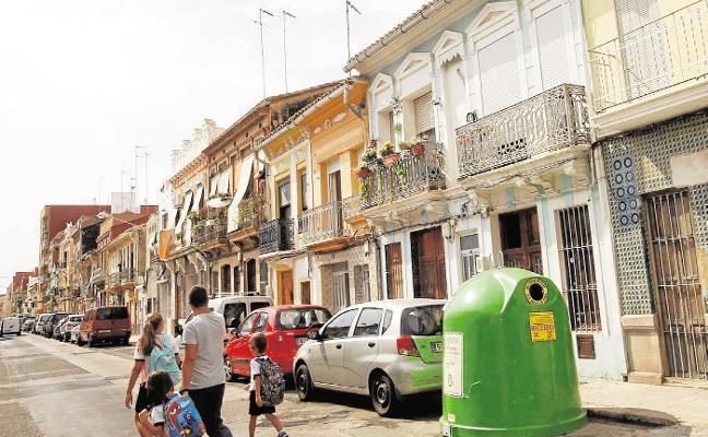 Más de 900 edificios protegidos del Cabanyal necesitan rehabilitación