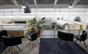 Un estudio con forma de autobús: Una visita al lugar de trabajo del artesano Mario de Alfonso