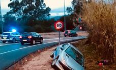 Vuelco lateral de un vehículo en una carretera entre Ondara y Pedreguer