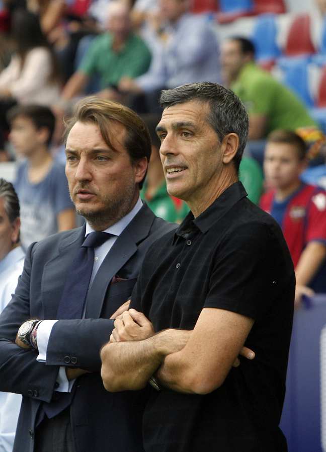 Muñiz cierra el entrenamiento del Levante UD por primera vez