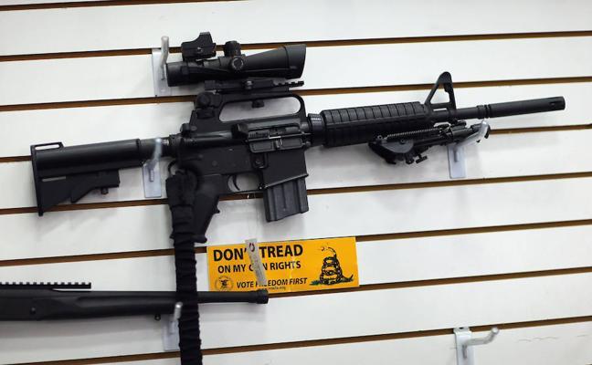 Una de las mayores tiendas de armas de EE UU deja de vender fusiles de asalto