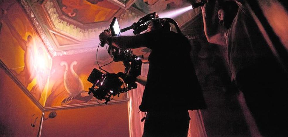 El cine se fija en el mural de Renau