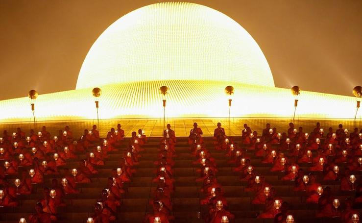 El budismo celebra su día
