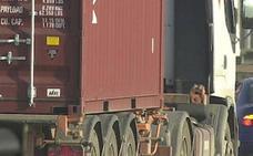 Los estibadores que descargaron material radiactivo del Puerto de Valencia temen haberse contaminado