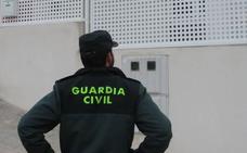 Tres detenidos por intentar estafar 48.200 euros a su seguro con una factura falsa
