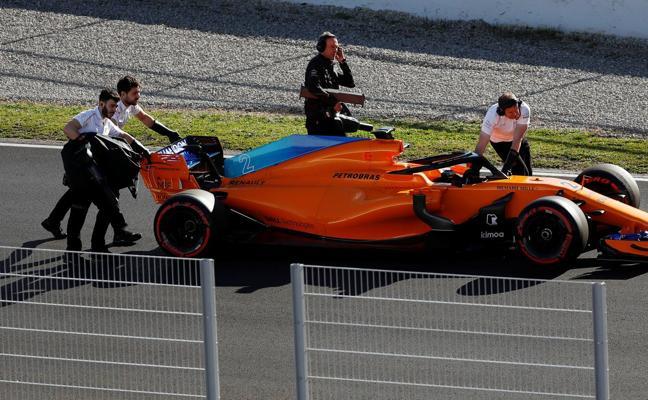 A McLaren se le funden los plomos