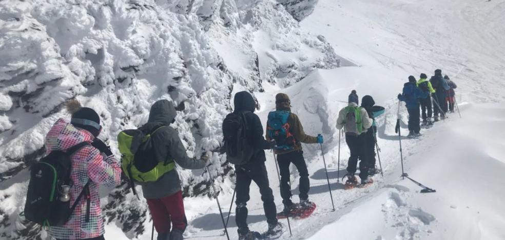 Escolares valencianos en Sierra Nevada: «La nieve llegó a metro y medio y nos quedamos incomunicados»