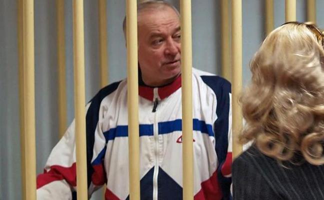 El exespía ruso Skripal pudo ser envenenado en su casa