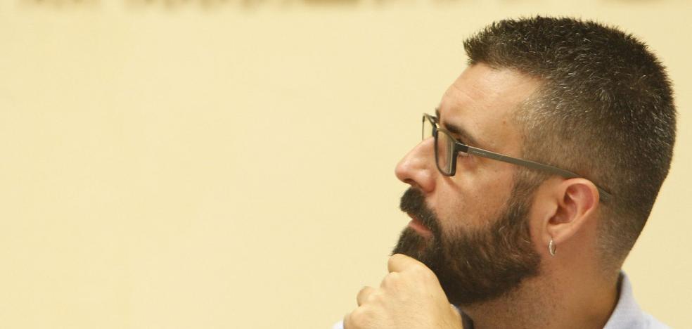 La jueza cita a declarar como imputado a Fuset por fraccionar contratos