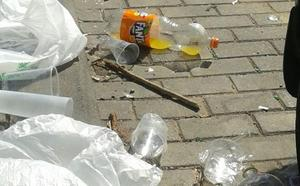Vecinos de Bulevar Sur denuncian una pelea con daños y se quejan del botellón
