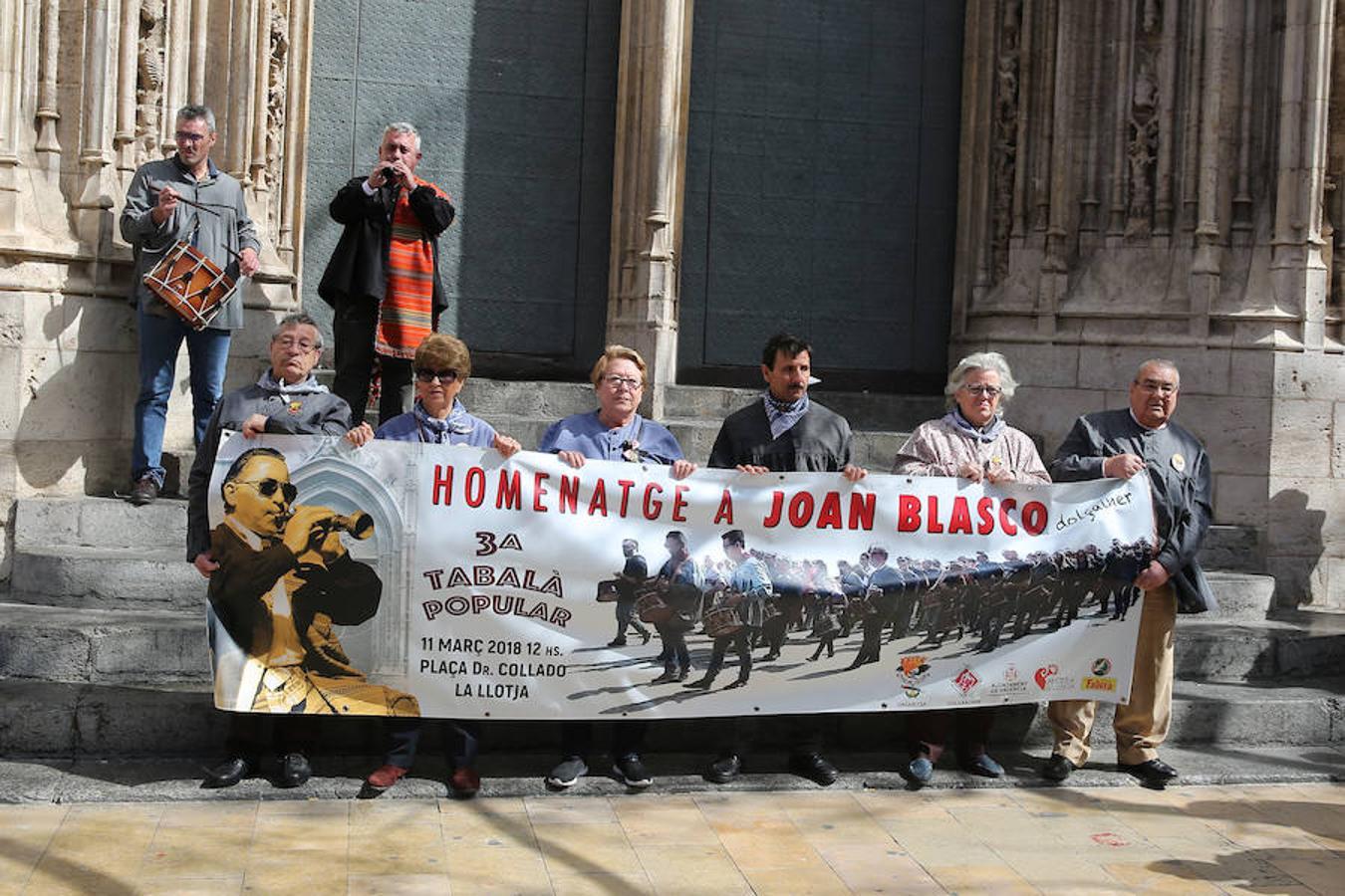 Fotos de la concentración de dolçainers y tabaleters en homenaje a Joan Blasco
