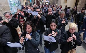 Concentracion de dolçainers i tabaleters en homenaje a Joan Blasco