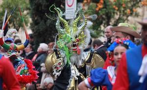 Las Fallas estrechan lazos con otras fiestas en la Cabalgata del Patrimonio