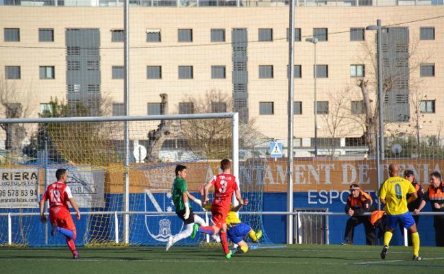 La UD Canals saca los colores al CD Dénia con un empate