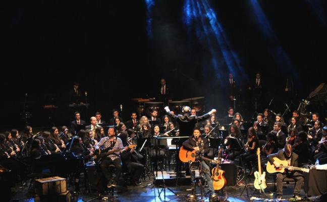 La música de Los Secretos hace vibrar el Auditori Teulada Moraira