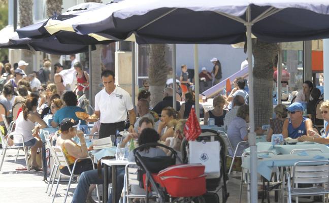 La falta de mano de obra en la hostelería marcará la Semana Santa en la Comunitat