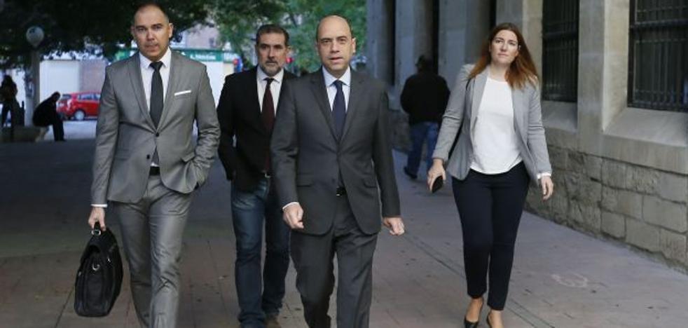 Compromís dice que la petición de fiscalía pone a Echávarri en una situación «insostenible»