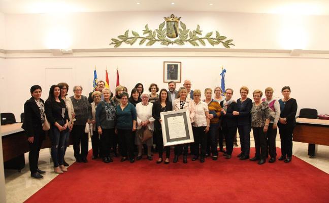 Rinden tributo a la gran labor de las mujeres del mar