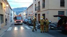 Los bomberos rescatan a un gato atrapado en una tubería de Benitatxell