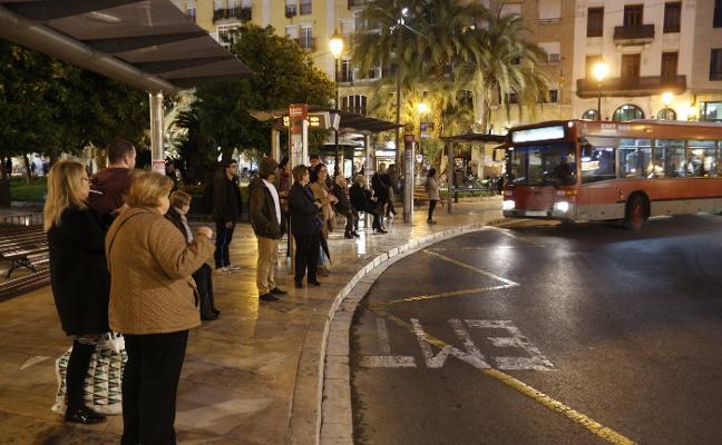 La odisea de ir en autobús en Fallas