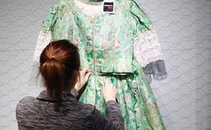 Faldas, corpiños y manteletas de fallera a partir de 10 euros y trajes completos por 100 euros