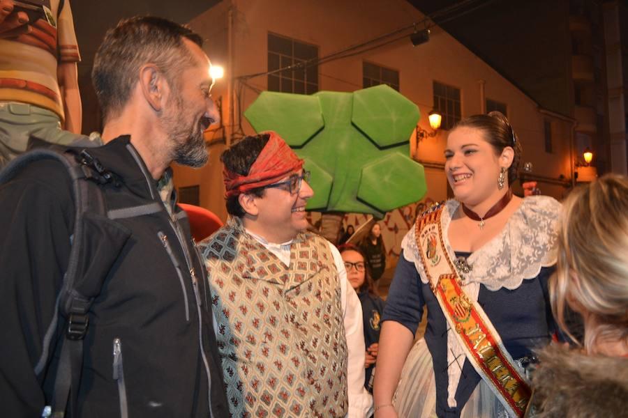 Pedro Cavadas visita su ninot fallero