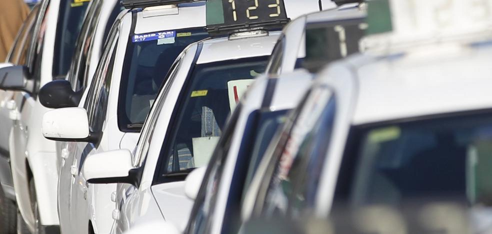 Los taxistas pedirán daños y perjuicios por la avería sufrida en los taxímetros