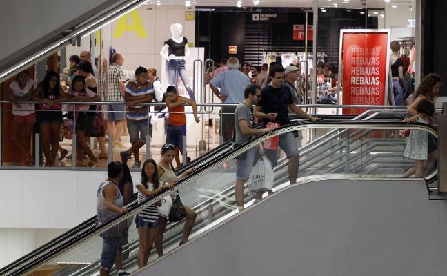 Los comercios abren hoy en Valencia