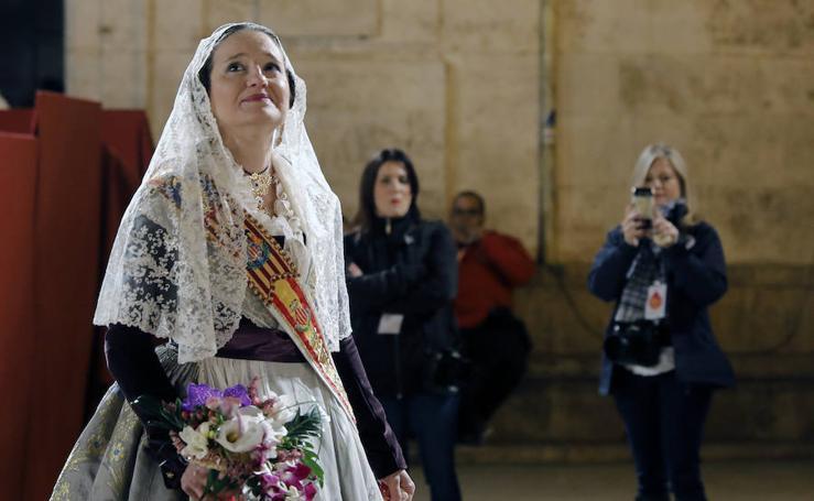 Mónica Oltra desfila en la Ofrenda de las Fallas 2018
