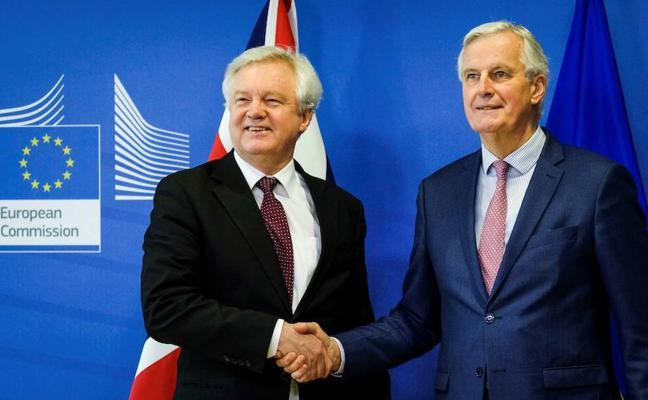 La UE y Reino Unido acuerdan que el 'Brexit' real sea el 31 de diciembre de 2020