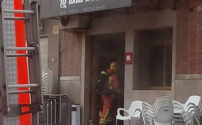 Alerta por un incendio en la cocina de un restaurante de Tavernes