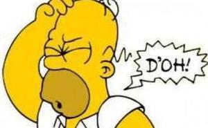 Entrega a la policía el carnet de Homer Simpson en un control de tráfico