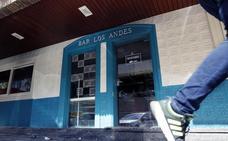 Incendio en un bar frente a las Urgencias del Hospital Clínico de Valencia