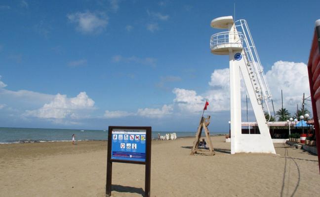 Dénia todavía está pendiente de contratar la vigilancia de las playas para Semana Santa