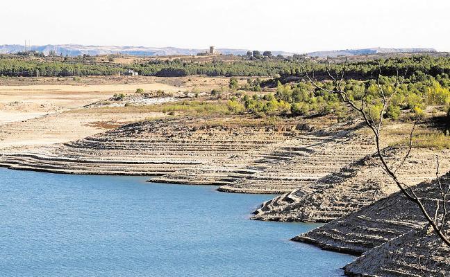 El Gobierno desentierra los trasvases y la desalación contra la falta de agua
