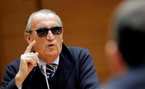Carlos Fabra ve al PP «regular tirando a peor» y pone «la mano en el fuego 20 veces» por Camps
