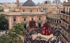 ¿Hasta cuándo estarán las flores de la Ofrenda en la plaza de la Virgen?