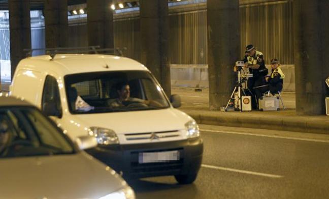 Detenido por circular a 120 km/h por la avenida Hermanos Machado de Valencia