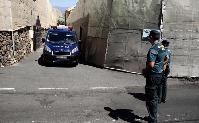 Un joven mata a su abuelo y a sus padres en Tenerife