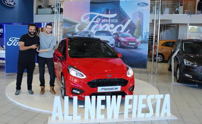 Carlos Jean entrega un nuevo Ford Fiesta