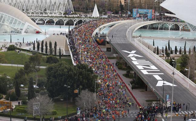 12.500 corredores contra el viento y la lluvia