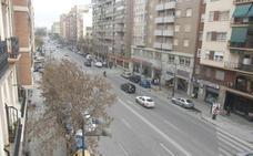 Una mujer, hospitalizada tras ser atropellada en la avenida Peris y Valero de Valencia