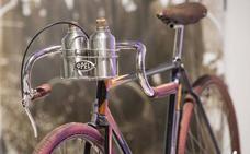 Este accesorio es obligatorio cuando vas en bici. La Guardia Civil te lo recuerda