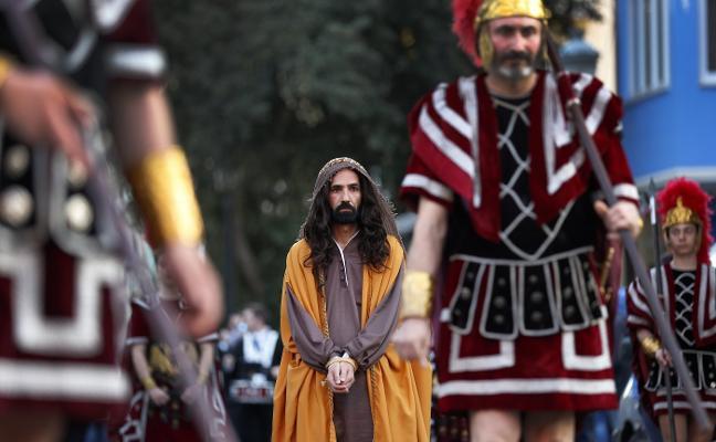 La Semana Santa toma las calles del Marítimo