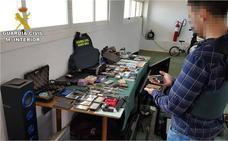 Detenidos cuatro hermanos, la cuñada y dos amigos por 58 robos en viviendas en Valencia y Alicante